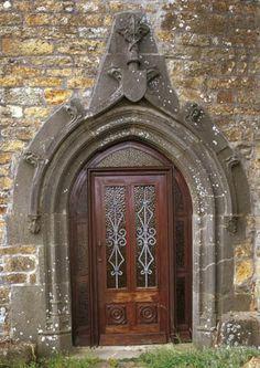 Porte du manoir d'Hirgars, Crozon - topic topos