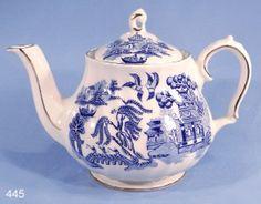 Samovar And Tea Machine Love Blue, Blue And White, Coffee Dispenser, Tea Culture, Small Tea, Willow Pattern, Himmelblau, Duck Egg Blue, Chocolate Pots