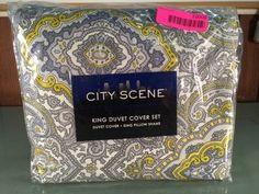 CITY SCENE KING DUVET COVER SET WITH KING PILLOW SET.
