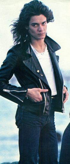 Eddie Van Halen ❤️ ...never seen him in a leather jacket before :)