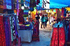 Dilli Haat, Markt in Delhi Delhi Haat, Jodhpur, Gifts, Women In India, India Travel, Asia, Travel Advice, Presents, Favors