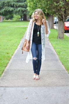 Long Lace Kimono - Fizz and FrostingFizz and Frosting White Kimono Outfit, Lace Cardigan Outfit, White Lace Kimono, Moda Kimono, Warm Weather Outfits, Everyday Outfits, Spring Outfits, Cute Outfits, Clothes For Women