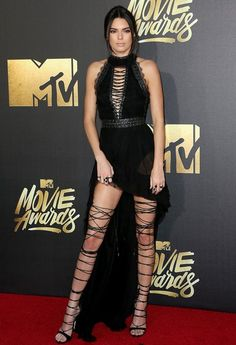 Kendall gave us all major shoe envy at the MTV Movie Awards red carpet.