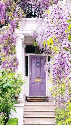 Veranda Magazine, Portrait Photography Tips, Backyard Plan, Mom Pictures, Garden Whimsy, House Doors, City Aesthetic, Small Garden Design, Real Estate Photography