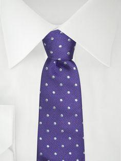 Lila dick-gepunktete Krawatte . . . . . der Blog für den Gentleman - www.thegentlemanclub.de/blog