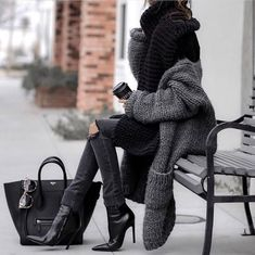 Discovered by Fashion and beauty. Find images and videos about girl, fashion and style on We Heart It - the app to get lost in what you love. Teen Fashion, Fashion Outfits, Womens Fashion, Fashion Trends, Fashion Styles, Fashion Clothes, Fashion Inspiration, Fall Winter Outfits, Autumn Winter Fashion