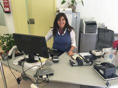 Priscila Martín en su puesto de Trabajo en LGS en Puerto de la Cruz.
