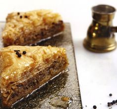 Greek baklava with honey Greek Sweets, Greek Desserts, Greek Recipes, Desert Recipes, Vegan Recipes, Cooking Recipes, Greek Baklava, Meals Without Meat, Vegan Greek