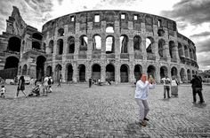 ... and let's do a selfie in front of Coliseum by dlddanilo