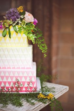 Geometric Ombre Wedding Cake | photos by Ceebee Photography | 100 Layer Cake