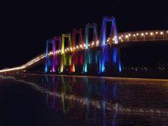 Puente sobre el lago de Maracaibo de noche