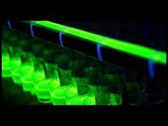 Bon Yurt se toma el mundo neón con un perfomance donde artistas utilizan glowsticks, licuadoras, 700 vasos de cristal y 200 metros de mangueras, entre muchos otros elementos, para crear una instalación neón que un DJ enciende  al ritmo de música electrónica, como el mejor afterparty que se puedan imaginar. www.bonyurt.com