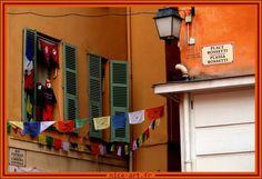 Drapeaux de prières place Rosseti - Nice - France Praying flags - Rossetti place - Nice - France