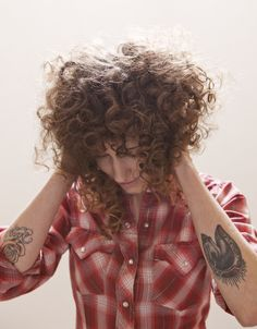 curly hair & tattoo's