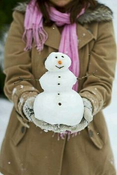 Snowman during winter time. I Love Winter, Winter Fun, Winter Is Coming, Winter Snow, Winter Time, Winter Christmas, Christmas Time, Merry Christmas, Yule