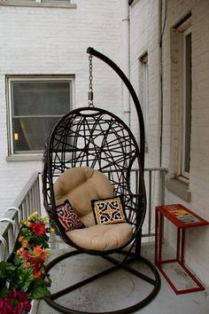 Even the littlest balconies can accommodate some good lounge furniture!