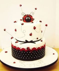 Meet the Baker – Leisa from Cakes by Leisa Ladybird cake – cute simple easy cake design. Pretty Cakes, Cute Cakes, Beautiful Cakes, Fondant Cakes, Cupcake Cakes, Fondant Girl, Buttercream Cake, Owl Cupcakes, Fruit Cakes