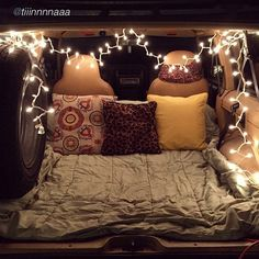 Pinterest: munkeebiznezz. This is such a cute Idea! Quick sleeping idea in your trunk.