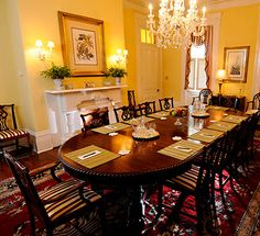 Our formal dining room can accommodate brunches, luncheons and corporate retreats.