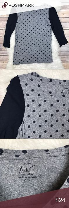 "J. Crew Factory 3/4 Sleeve Dotted Artist Tee Excellent condition J. Crew Factory Dotted Artist Tee. Size XS. 100% cotton. Heather gray with navy dots. Bust 36"", length 25"", sleeve length 18"". No trades, offers welcome. J. Crew Factory Tops Tees - Long Sleeve"