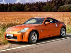 """Even though it doesn't fit the title of a """"classic Japanese"""" car, I still like the 350Z... and classic Japanese cars. Hahahaha. //  NISSAN 350Z"""