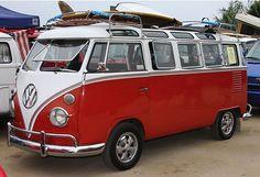 I've always wanted a split window VW Van! Vw Caravan, Vw Camper, Volkswagen Bus, Vw T1, Beatles Vans, Cool Rvs, Vw Classic, Campervan Interior, Surf Trip