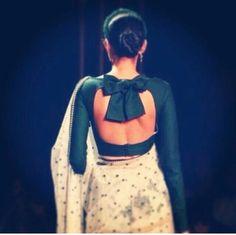 101 Stunning Saree Blouse Back Neck Designs Saree Blouse Patterns, Sari Blouse Designs, Designer Blouse Patterns, Fancy Blouse Designs, Blouse Styles, Saree Styles, Blouse Back Neck Designs, Sari Bluse, Stylish Blouse Design
