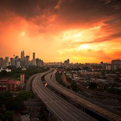 Astonishing Kuala Lumpur at dusk