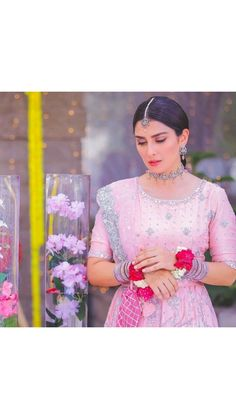 India Sari, Ayeza Khan, Pakistan News, Danish, Shoulder Dress, Display, Poses, Pictures, Beautiful