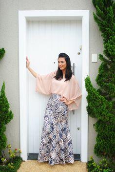 O Blog Com que roupa eu vou? Que fala sobre beleza, moda evangélica, saias e tudo o que envolve o UNIVERSO FEMININO