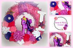 Felt Wreath, Minnie Mouse, Wreaths, Disney Characters, Crafts, Design, Art, Art Background, Manualidades