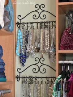 8 Clutter Problems Solved by Shower Rings