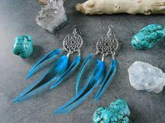 Boucles d'oreille dreamcatcher argentées et charms flèches de la boutique JewelryByPlk sur Etsy