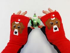 This listing is for purchasing along with Dog Gloves, Glittens, Bandana in case you want to to decorate them with Santa Hat: https://www.etsy.com/il-en/shop/BZFingers?ref=hdr_shop_menu&section_id=11027058 https://www.etsy.com/il-en/shop/BZFingers?ref=hdr_shop_menu&section_id=18099128  *****Not sold separately*****