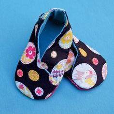 Omiyage Blogs: Kimono Baby Shoes and Matching Onesie