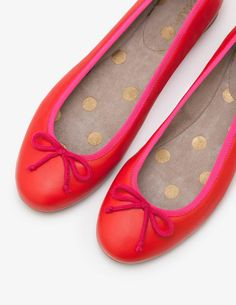 Elegant, comfortable and oh-so versatile – ballerina shoes really do have it all. Ours come in a choice of luxurious fabrics, with a charming bow and trim lending the perfect every-attention-paid-to-detail finish.