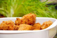 Se den bedste opskrift på kyllingenuggets i ovn, der giver dig meget sprøde nuggets af det bedste kyllingekød. Paneret i rasp. Du kan meget nemt lave dine egne kyllingenuggets i ovn, og så ved du, … Snack Recipes, Cooking Recipes, Easy Recipes, Actifry, Lunch Snacks, Tapas, Cauliflower, Easy Meals, Muffin