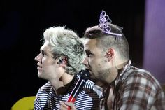 Niall and Liam on stage in Minneapolis