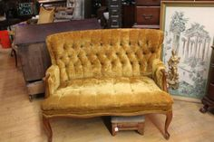 Mad men cocktail vibe love seat in Lawrence, Massachusetts ~ Apartment Therapy Classifieds