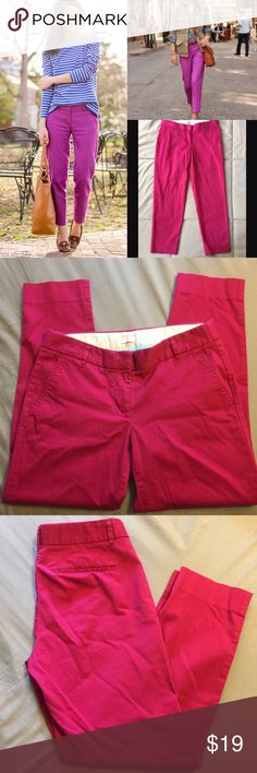 """J. Crew Skimmer J. Crew skimmer pant in a bold raspberry pink! 98% cotton, 2% elastane. 25"""" inseam. Gently used and in very good condition! Don't pay J. Crew prices...get it here for a steal! J. Crew Pants Ankle & Cropped"""