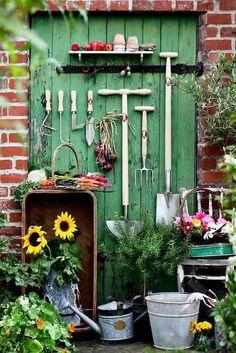 Vintage garden stuff...so great!