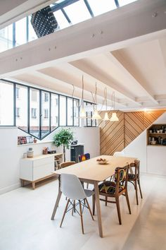 Loft in Paris by Batiik Studio Lofts, Cosy Kitchen, Stylish Kitchen, Open Kitchen, Interior Design Magazine, Loft Paris, Cosy House, Loft Interiors, Small Loft