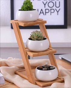 Bamboo Pot Planter Find a cute place to keep your herbs, cacti and plants and make efficient use of Wooden Planters, Diy Planters, Hanging Planters, Planter Pots, Bamboo Planter, House Plants Decor, Plant Decor, Wooden Plant Stands, Bamboo Crafts