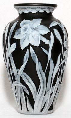 THOMAS WEBB BLACK CAMEO GLASS VASE C. 1900