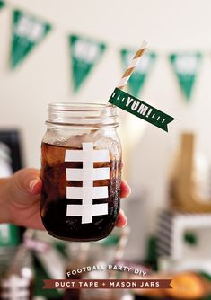 #DIY Football mason jar drinks for tailgating