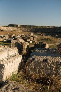 Roman Stadium at Perge, Turkey  http://www.turistarth.com/9-gallerie/75-se-lo-stadio-diventa-storia