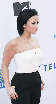 — dlovato-news:     Demi Lovato attends to 2015 We...