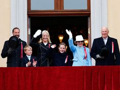 The National Day in Norway 17th of May 2015.The big children's parade and an abundance of flags are the central elements of Oslo's 17 May celebrations. The parade, which is greeted by the royal family from the balcony of the Royal Palace, includes some 60,000 children from around 100 schools as well as marching bands.kongehuset.no - Gratulerer med dagen!