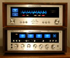Vintage Quadrophonic setup from Marantz, sweet!  https://www.pinterest.com/0bvuc9ca1gm03at/