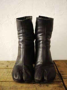 lacollectionneuse:    tabi boots (eu sz 37) • martin margiela26,750 円